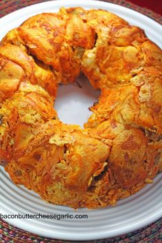 This pull-apart bread is so ridiculously easy to make and it hearty enough for a meal or great snacking for […] Buffalo Chicken Bread, Great Recipes, Favorite Recipes, Family Recipes, Butter Cheese, Cheese Puffs, Party Food And Drinks, Party Dips, Breads