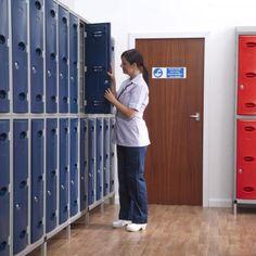 Cómo elegir taquillas para vestuarios Outdoor Areas, Indoor Outdoor, Tenerife, Plastic Lockers, Changing Room, Pediatrics, Outdoor Storage, Storage Solutions, Locker Storage