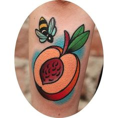 These peach tattoos sure got me mad and salivating for some juicy peach slices! Pretty Tattoos, Cute Tattoos, Atlanta Tattoo, Peach Tattoo, Candy Tattoo, Vegan Tattoo, Tattoos For Women, Tattoo Women, Book Tattoo