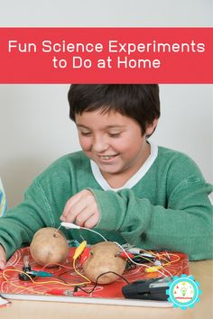 These fun science experiments for kids at home dont require any weird supplies and you can do the at home science experiments with things you already have! Science Demonstrations, Science Experiments For Preschoolers, Cool Science Experiments, Hands On Activities, Kindergarten Activities, Science Activities, Stem Projects, Science Fair Projects, Rainbow In A Jar
