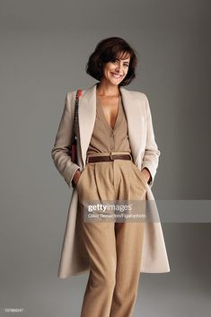 Model Ines de la Fressange is photographed for Madame Figaro on September 7 2010 in Paris France Published image Figaro ID 098066005 Coat and pants. French Chic Fashion, Fashion Tips For Women, Womens Fashion, Karl Lagerfeld, Sleeveless Outfit, Dressing Sense, Parisian Chic, Madame, Mannequins