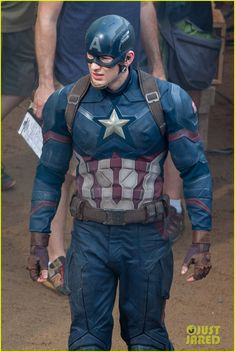 chris evans suits up for captain america 01 Chris Evans gets ready to shoot some action packed scenes for his upcoming Marvel film Captain America: Civil War on Monday (May 18) in Atlanta, Ga.     The 33-year-old…