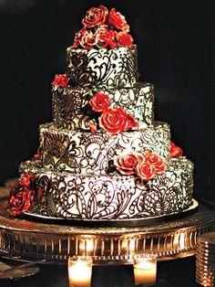 Gothic Chic_Cake Divas.jpg 300×400 pixels