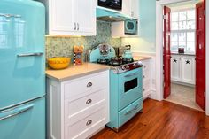 And now we can get these retro appliances!  Want!! 1950s decor interiors color aqua red