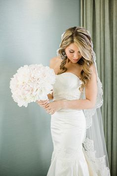 lace trimmed veil and a big fluffy peony bouquet  Photography By / elainepalladino.com, Floral Design By / eventsonabudget.com
