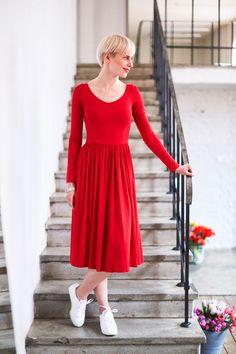 Sukienka midi GOTOWA NA WSZYSTKO happy red - Riskmadeinwarsaw - Sukienki midi