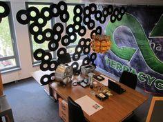 Individuell gestalteter Arbeitsplatz im ehemaligen TerraCycle Büro in Mainz  #TerraCycle #eco #green #greenthinking #fair #nachhaltig #sustainable #plastik #plastic #waste #art #recycling #graffiti