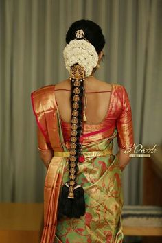 Ideas For Indian Bridal Hairstyles Wedding Blouse Designs South Indian Wedding Hairstyles, Bridal Hairstyle Indian Wedding, Bridal Hair Buns, Bridal Braids, Bridal Hairdo, Indian Bridal Hairstyles, Hair Wedding, Indian Wedding Sarees, Bridal Sarees South Indian
