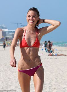 Skinny Minnie! Victoria's Secret Angel Martha Hunt was spotted flaunting her super-slim bi...