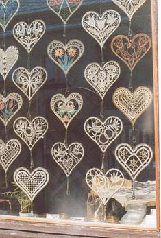 Hand Embroidery Flowers, Ribbon Embroidery, Lace Art, Bobbin Lace Patterns, Lacemaking, Point Lace, Needle Lace, Expo, Happy Heart