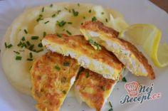 Chutné, křehké a šťavnaté kuřecí řízky na francouzský způsob. Příprava je velmi jednoduchá a hlavně rychlá. Samozřejmě krájení trvá sice déle, ale stojí to určitě za vyzkoušení. Jsou jemné a velmi křehké. Podávala jsem je s bramborovou kaší, klasickou s mlékem a máslem. Autor: Lacusin Sauerkraut, Mozzarella, Pancakes, Eggs, Meat, Chicken, Breakfast, Food, Potato Latkes