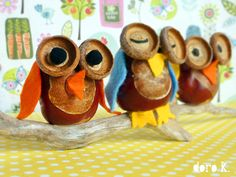 Fall Owl Craft using chestnuts and acorn tops/lids! Autumn Activities For Kids, Winter Crafts For Kids, Autumn Crafts, Easy Crafts For Kids, Nature Crafts, Diy For Kids, Pinecone Crafts Kids, Acorn Crafts, Owl Crafts