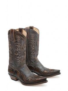 Vayas dónde vayas con tus Sendra Boots dejarás huella.  #Sendra #Boots #Botas #Man #Cowboy