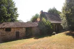 Historic opportunity to renovate 15th century house next to the Chateau at Montbrun.  €266,100/£212,534