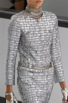 Chanel at Paris Fashion Week Spring 2016 - Details Runway Photos Chanel Couture, Fashion Week, Love Fashion, High Fashion, Womens Fashion, Fashion Design, Style Couture, Couture Fashion, How To Have Style