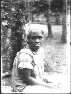 Samoan Cliche J.Martin/(On orig):SAMOAN GIRL CRICKET SCORING ca. 1900-1919