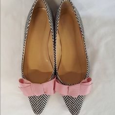 J crew bow flats J crew bow flats. Reposhing these fabulous flats because unfortunately it's too big one me. It runs big. Its size 6.5, it can fit size 6.5 and 7. I'm normally size 6 and had hope these run small. In great condition, just some wear on the soles. Shoes Flats & Loafers