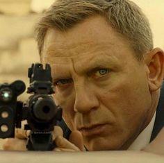 Daniel Craig Style, Daniel Craig James Bond, Rachel Weisz, James Bond Style, Best Bond, Jason Isaacs, James Bond Movies, True Detective, Tough Guy