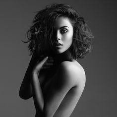 © Peter Coulson 2013 Photographer Peter Coulson @ www.peter-coulson.com.au Model: Zoe Elena Vicious Models Hair & Makeup: Caroline Olweny Hair & Makeup Assistant: Shirley Davis Lighting: 1.5 meter Broncolor Octagonal soft box & white board reflector clam shell style