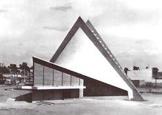 Iglesia de la Santa Cruz, calle 13, col. Aviacion Industrial, San Luis Postosi, México 1967 Arq. Enrique de la Mora y Félix Candela - Church of the Holy Cross, San Luis Postosi, Mexico 1967