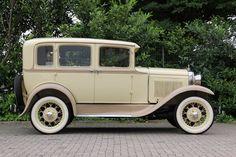 Mit diesem herrlichen Ford Oldtimer lässt es sich primar heiraten. Zu mieten gibts das gute Stück unter leipzig-oldtimer.de.