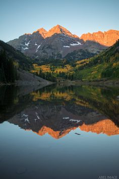 Woke up at 5am so I could catch the sun rising over the Maroon Bells this morning. [OC](36415461) #reddit
