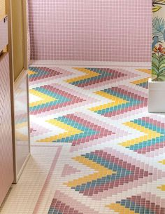 Multi Colour Bathroom Tiles - Pink, Yellow And Green Bathroom Tiles. Image Via Casadecor. Bathroom Floor Tiles, Bathroom Colors, Aqua Bathroom, Cream Bathroom, Colourful Bathroom Tiles, Bohemian Bathroom, Mosaic Bathroom, Bright Green Bathroom, Retro Bathrooms