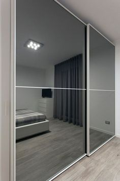 Best Contour Design Ideas For Sliding Door Gallery 29 Glass Wardrobe, Wardrobe Furniture, Wardrobe Design Bedroom, Bedroom Bed Design, Bedroom Wardrobe, Room Ideas Bedroom, Modern Bedroom, Bed Room, Master Bedroom