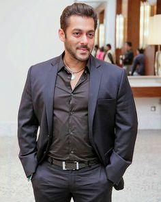 Salman Khan Photo, Shahrukh Khan, Salman Khan Wallpapers, Amitabh Bachchan, Akshay Kumar, Jessica Jung, Boys Over Flowers, Royal Weddings, William Kate