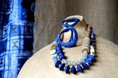 """Balungi Blue Edition Necklace & readers 
