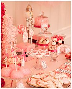 Pink Holiday Treats- i swear i cant wait to have a home and host our own family holiday parties :)