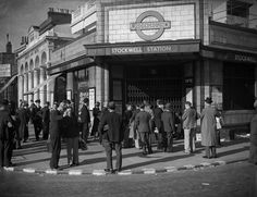 Stockwell station, 1939. | 38 Breathtaking Pictures From The Early Days Of The London Underground