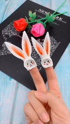 creative crafts let's do together!😘😘😍😍 flowers videos Creative handicraft Diy Crafts Hacks, Diy Crafts For Gifts, Diy Arts And Crafts, Creative Crafts, Handmade Crafts, Instruções Origami, Origami Simple, Cute Origami, Origami Flowers