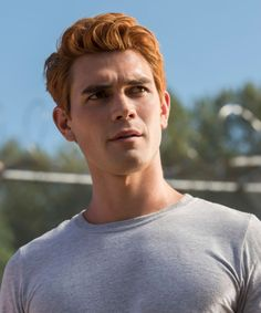 """As Kevin Keller gleefully exclaimed in the Riverdale series premiere, """"Archie got hot!"""" Here's thing, though: Archie did not get intelligent. With just a few seasons in existence, there are already 11 times Archie on Riverdale made you scream at… Archie Andrews Riverdale, Riverdale Archie, Riverdale Veronica, Kj Apa Riverdale, Riverdale Cast, Cole Sprouse, Aj Kapa, Archie Andrews Aesthetic, Le Rosey"""
