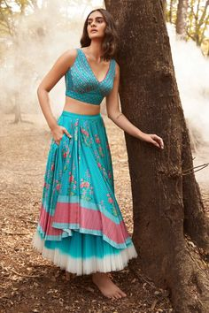 Indian Western Dress, Dress Indian Style, Western Dresses, Indian Fashion Trends, Indian Fashion Dresses, Indian Wedding Outfits, Indian Outfits, Unique Dresses, Lovely Dresses