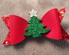 Fabric Hair Bows, Diy Hair Bows, Diy Bow, Christmas Accessories, Girls Hair Accessories, Diy Leather Bows, Leather Craft, Christmas Hair Bows, Christmas Crafts