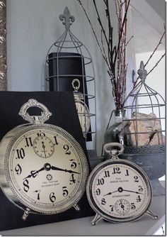 free clock images -- from The Graphics Fairy