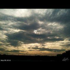 曇り空 #cloudy #morning #sun #sky #cloud #philippines #フィリピン #空 #雲 #朝日