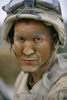 Résultats Google Recherche d'images correspondant à http://www.linternaute.com/photo_numerique/photographe/reza-entre-guerres-et-paix/image/soldat-afghanistan-1398592.jpg