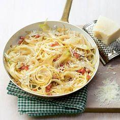 Spaghetti met romige witlofreepjes, ham, slagroom