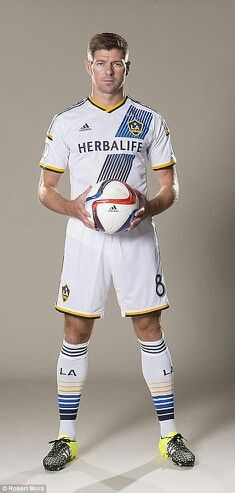 Your first look at Steven Gerrard in an LA Galaxy jersey Steven Gerrard Liverpool, Liverpool Captain, Liverpool Football Club, Liverpool Fc, Soccer Poses, Football Poses, Nike Football, College Football, Football Fever