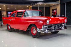 1957 Ford Custom 300 Sedan, SuperChargered/Built 312 built Ford-O-Matic Tac-Lok Axle Vintage Bikes, Vintage Trucks, Car Station, Counting Cars, Ford Classic Cars, Old Fords, Ford Fairlane, Limousine, Collector Cars
