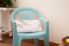 como pintar plástico Upcycled Furniture, Diy Furniture, Balcony Chairs, Garden Doors, Pallet Art, Chalk Paint, Ideas Para, Room Decor, Patio