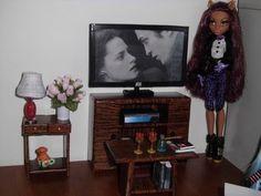 Como fazer um balcão com pia de cozinha para boneca Monster High, Pullip, Barbie e etc - YouTube