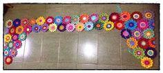 Resultado de imagem para flores de croche roupa barrado
