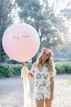 Pink Hens Day - Pre-Wedding Inspiration in Australia Hen Night Ideas, Hen Ideas, Classy Hen Party, Engagement Balloons, Hen Party Decorations, Dream Wedding, Wedding Day, Wedding Decor, Before Wedding