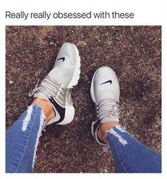 37 Women Sneakers To Look Cool - shoe-porn ♡ - Damenschuhe Cute Shoes, Women's Shoes, Me Too Shoes, Shoe Boots, Shoes Sneakers, Roshe Shoes, Nike Roshe, Nike Women Sneakers, Kicks Shoes