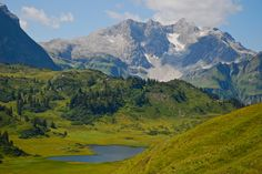 go for a hike and really experience the mountains! Hiking, Mountains, Nature, Travel, Austria, Walks, Naturaleza, Viajes, Destinations