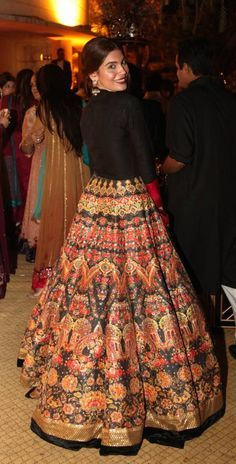 Amna Babar in Ali Xeeshan - stunning orange and black lengha - Indian model - Indian couture - Indian wedding - Indian bride Indian Attire, Indian Ethnic Wear, Indian Outfits, Indian Wedding Outfits, Wedding Dresses, Lehenga Designs, Ethnic Fashion, Asian Fashion, Indian Designer Outfits