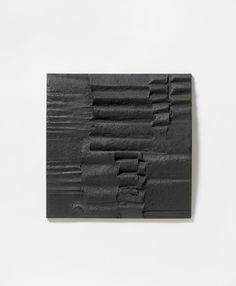 ADOLF LUTHER 1912 - Krefeld - 1990 L + M (LICHT UND MATERIE) 1961 Materiebild: Pastose Masse aus Öl, Pigment und Kreide auf Hartfaser 57,5 x 57,5 x 5,5 cm.